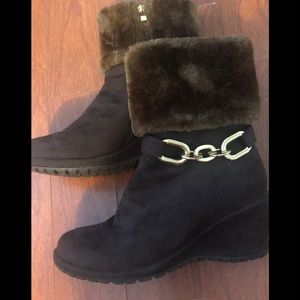 SL Design suede boots with faux fur cuff